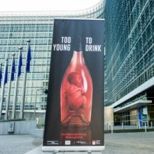 Parlamento europeo - https://www.facebook.com/tooyoungtodrink?fref=ts
